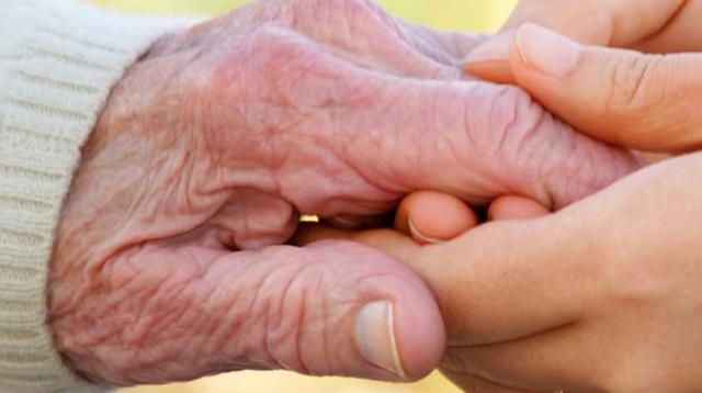 Camin de bătrâni la prețuri decente, asistență permanentă și îngrijirie de calitate pentru persoanele de vârsta a treia