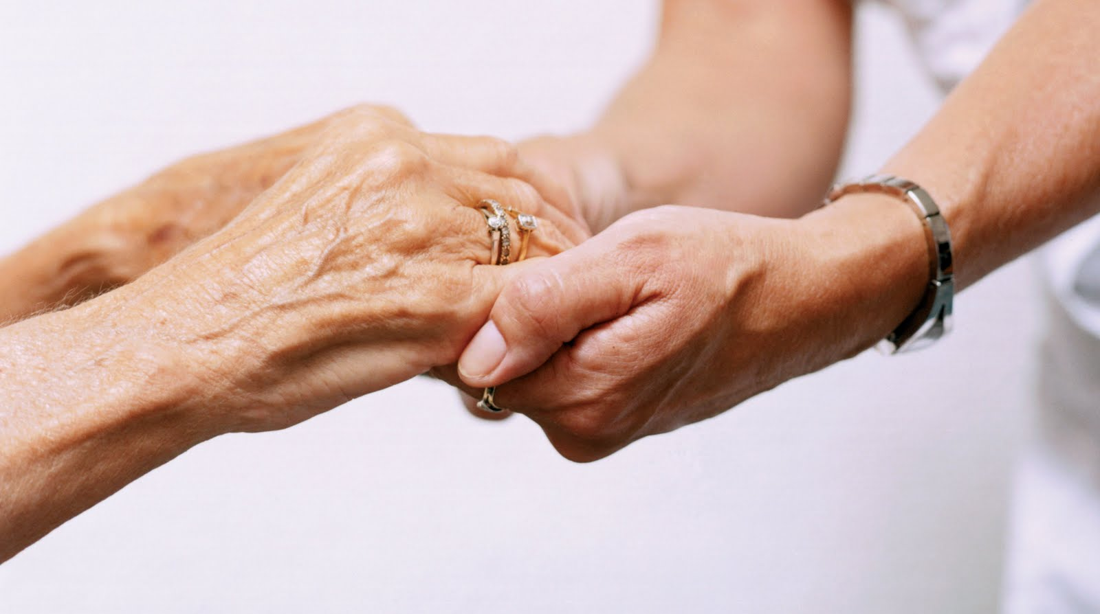 Facilități ale căminului de bătrâni Krumba. 5 beneficii pentru o bătrânețe mai ușoară